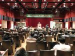 記念講演会の会場